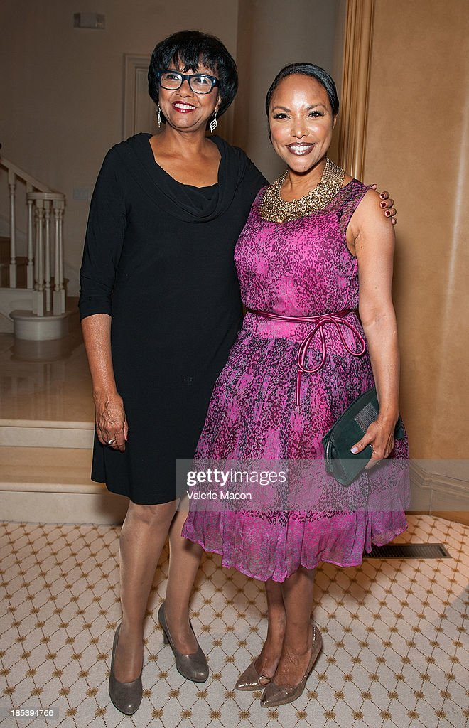 <a gi-track='captionPersonalityLinkClicked' href=/galleries/search?phrase=Diahann+Carroll&family=editorial&specificpeople=240336 ng-click='$event.stopPropagation()'>Diahann Carroll</a> and <a gi-track='captionPersonalityLinkClicked' href=/galleries/search?phrase=Lynn+Whitfield&family=editorial&specificpeople=212990 ng-click='$event.stopPropagation()'>Lynn Whitfield</a> attends House of Flowers Dinner Honoring <a gi-track='captionPersonalityLinkClicked' href=/galleries/search?phrase=Diahann+Carroll&family=editorial&specificpeople=240336 ng-click='$event.stopPropagation()'>Diahann Carroll</a> and Cheryl Boone Isaacs at Tracey Edmonds house on October 19, 2013 in Beverly Hills, California.