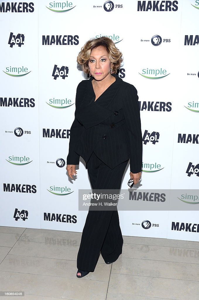 Diahann Carroll attends the red carpet premiere of