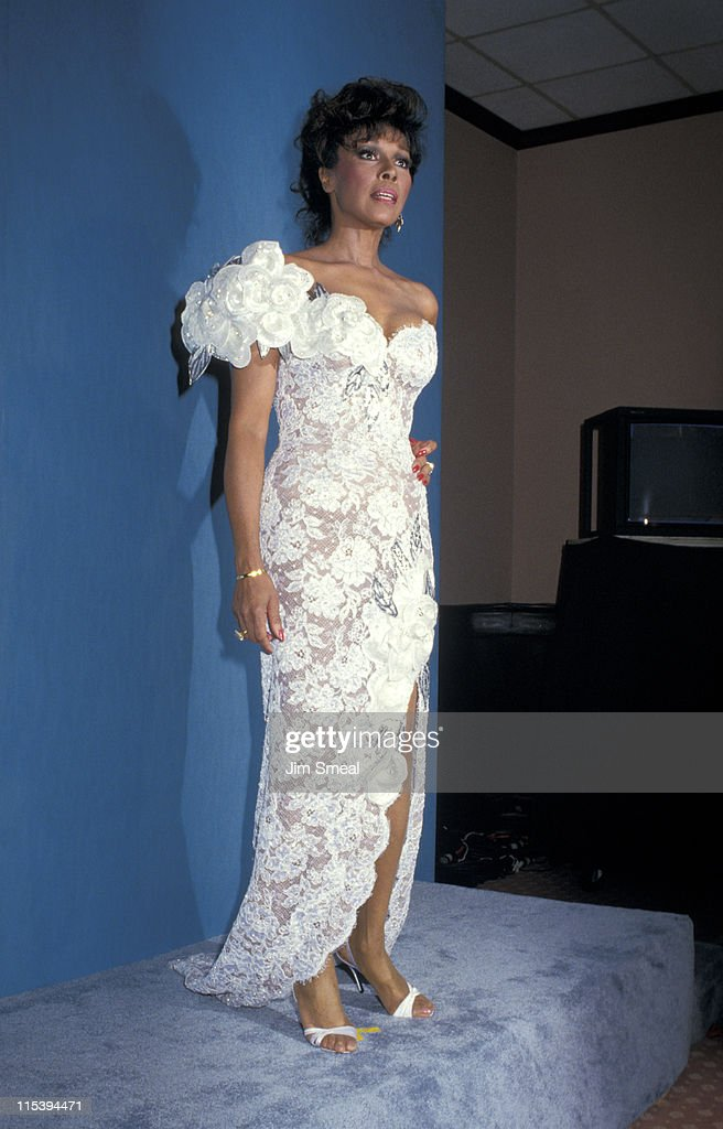 <a gi-track='captionPersonalityLinkClicked' href=/galleries/search?phrase=Diahann+Carroll&family=editorial&specificpeople=240336 ng-click='$event.stopPropagation()'>Diahann Carroll</a> during 39th Annual Emmy Awards - September 20, 1987 at Pasadena Civic Auditorium in Pasadena, California, United States.