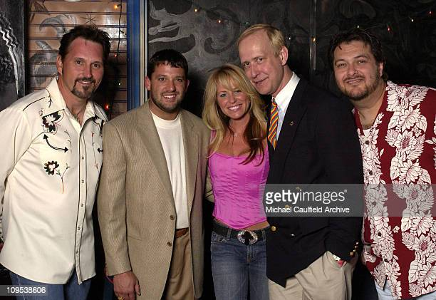 Diamond Rio flanked left and right NASCAR's Tony Stewart Deana Carter and Gibson Guitar's Henry Juszkiewicz