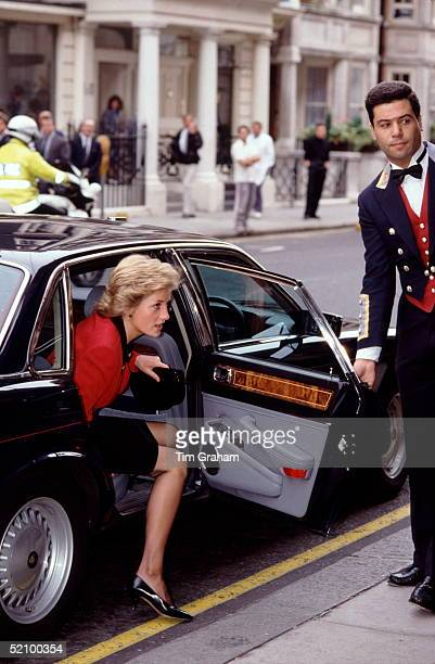 Diana Princess Of Wales Arriving By Jaguar Xj Saloon Car At Claridges Hotel For The Launch Of The British Lung Foundation Of Which She Is Patron