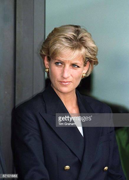 Diana Princess Of Wales At Luanda Airport Angola On The Start Of Her Four Day Visit To Red Cross Projects In Angola