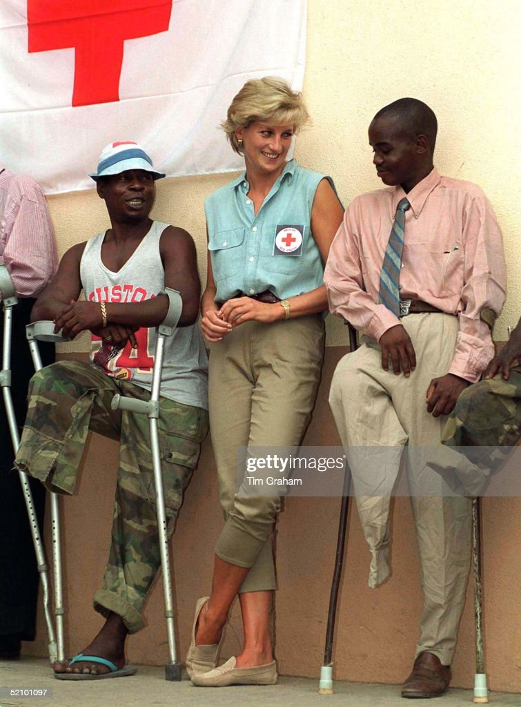Diana, Princess Of Wales, At Neves Bendinha, an ICRC Orthopaedic Workshop In Luanda, Angola.