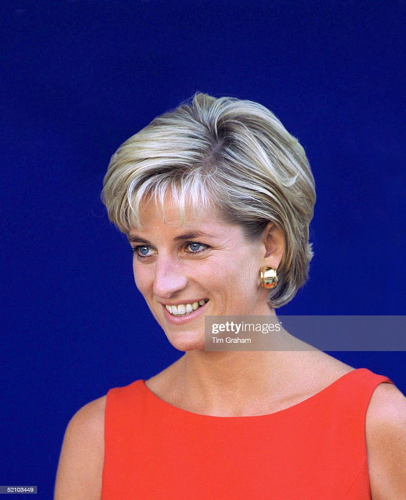 princess diana of wales Lady diana frances spencer married prince charles (1948–) in 1981 and became princess of wales retaining her title and her popularity after the royal.
