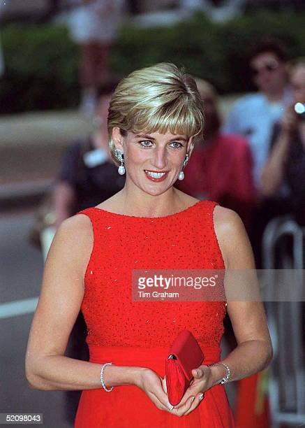 Diana Princess Of Wales Attending A Gala Dinner To Raise Funds For The American Red Cross In Washington