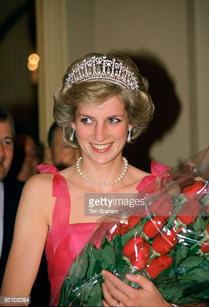 Diana Princess Of Wales Holding A Bouquet Of Red Roses As She Arrives At La Scala Opera House To Watch A Performance Of 'turandot' During Her...
