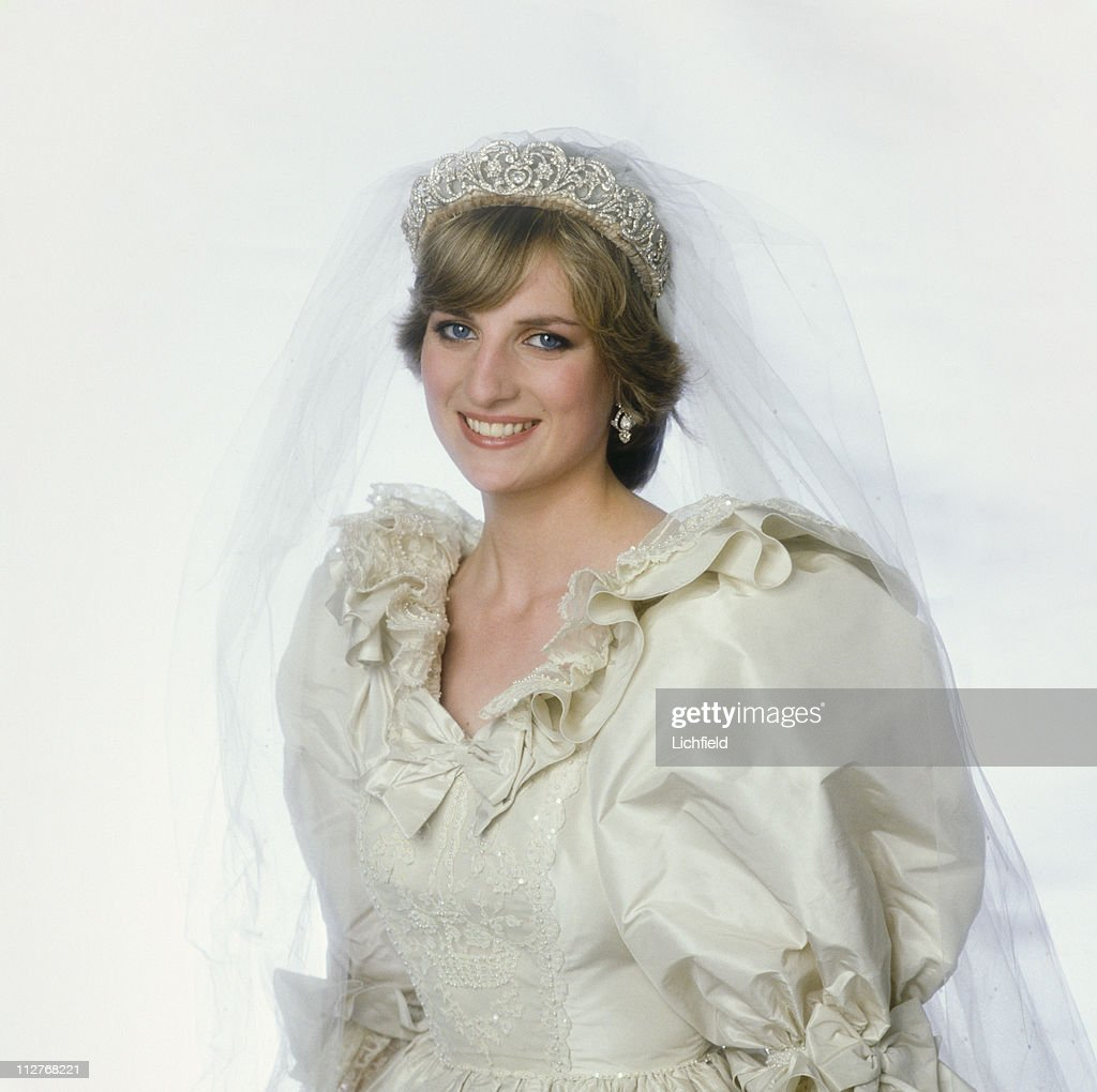 Diana Princess of Wales (1961 - 1997) in her wedding dress at Buckingham Palace, London, after her wedding, 29th July 1981. (Photo by Lichfield/Getty Images).