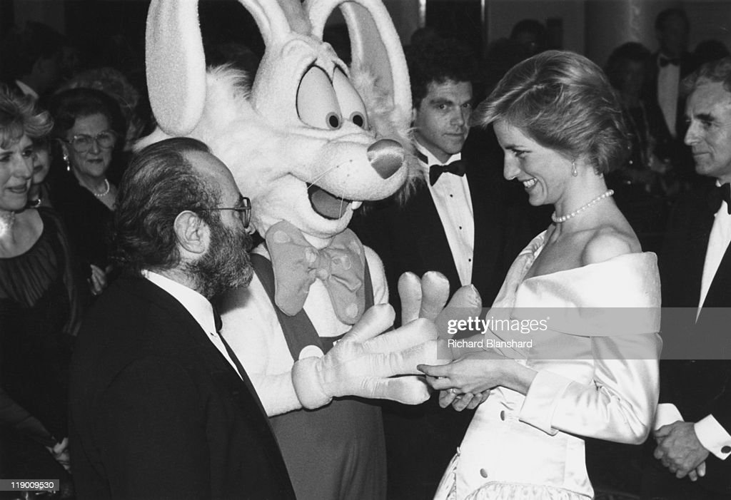 Diana, Princess of Wales meets British actor <a gi-track='captionPersonalityLinkClicked' href=/galleries/search?phrase=Bob+Hoskins&family=editorial&specificpeople=208792 ng-click='$event.stopPropagation()'>Bob Hoskins</a> and an actor wearing a rabbit costume at a charity premiere of the film 'Who Framed Roger Rabbit?' in London, 21st November 1988.