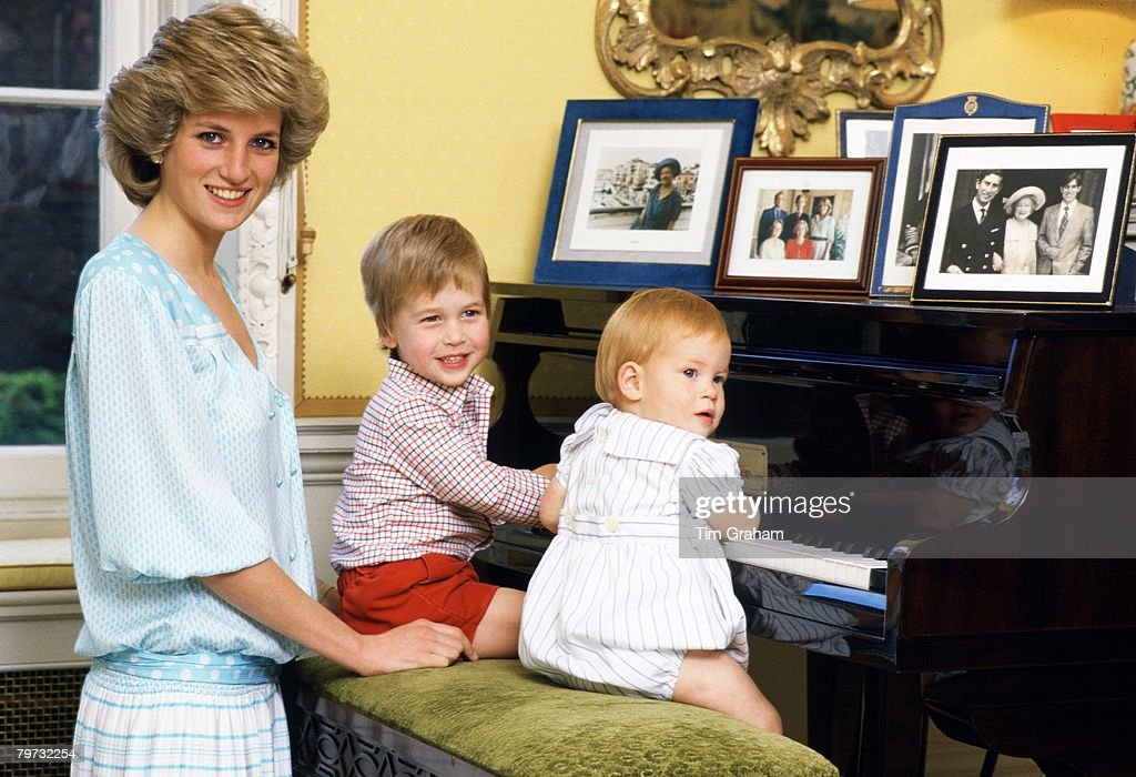 Diana, Princess of Wales with her sons, Prince William and <a gi-track='captionPersonalityLinkClicked' href=/galleries/search?phrase=Prince+Harry&family=editorial&specificpeople=178173 ng-click='$event.stopPropagation()'>Prince Harry</a>, at the piano in Kensington Palace
