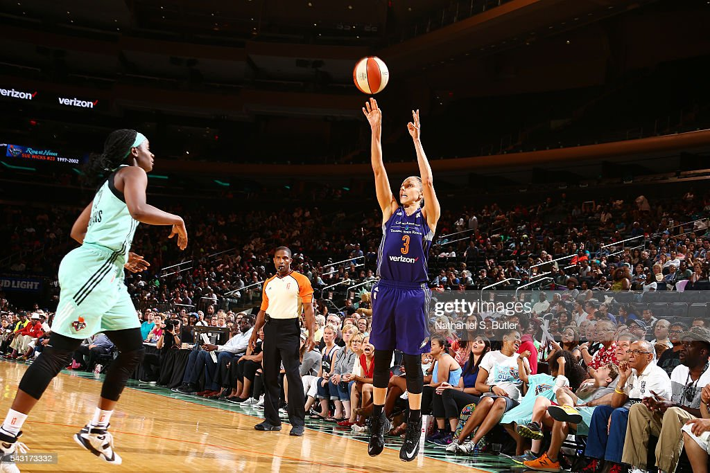 <a gi-track='captionPersonalityLinkClicked' href=/galleries/search?phrase=Diana+Taurasi&family=editorial&specificpeople=202558 ng-click='$event.stopPropagation()'>Diana Taurasi</a> #3 of the Phoenix Mercury shoots the ball against the New York Liberty on June 26, 2016 at Madison Square Garden in New York, New York.