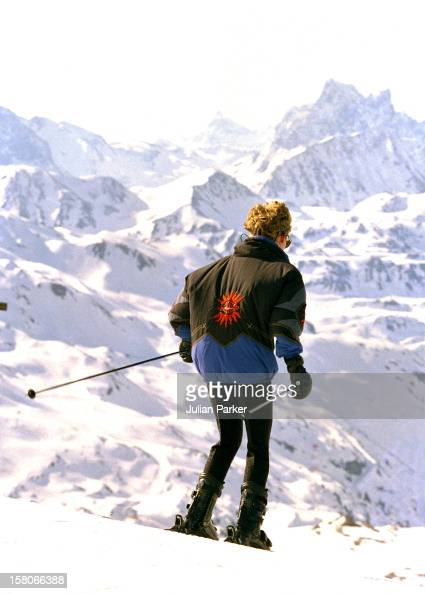 DianaThe Princess Of Wales On A Ski Holiday With Prince William And Prince Harry Ski'S Down Towards The Village Of ZursMarch 1994