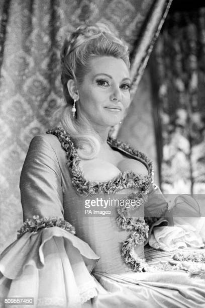 Diane Cilento wife of Sean Connery in 'Rogues' Gallery' a Granada Television drama series She plays the part of Sarah Bellasize