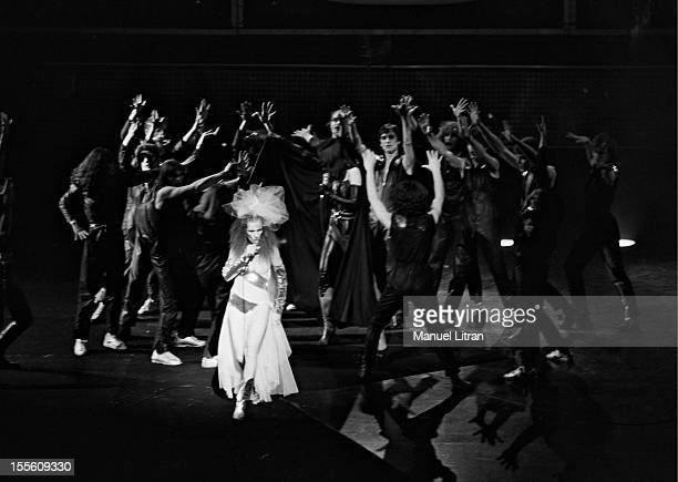 Diane Dufresne surrounded singing dancers from the troupe of the rock opera 'Starsailor' by Michel Berger and Luc Plamondon on the stage of the...