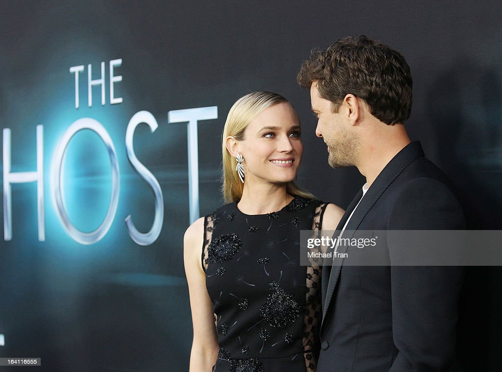 Diane Kruger (L) and Joshua Jackson arrive at the Los Angeles premiere of 'The Host' held at ArcLight Cinemas Cinerama Dome on March 19, 2013 in Hollywood, California.