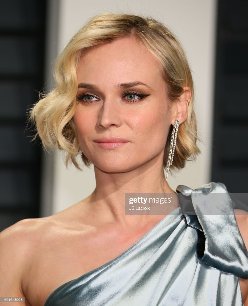 Diane Kruger attends the 2017 Vanity Fair Oscar Party hosted by Graydon Carter at Wallis Annenberg Center for the Performing Arts on February 26, 2017 in Beverly Hills, California.