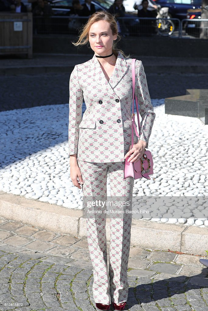 Diane Kruger attends the Miu Miu show as part of the Paris Fashion Week Womenswear Spring/Summer 2017 on October 5, 2016 in Paris, France.