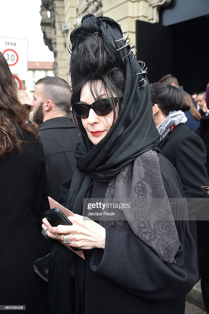 <a gi-track='captionPersonalityLinkClicked' href=/galleries/search?phrase=Diane+Pernet&family=editorial&specificpeople=4347865 ng-click='$event.stopPropagation()'>Diane Pernet</a> arrives at the Gucci show during the Milan Fashion Week Autumn/Winter 2015 on February 25, 2015 in Milan, Italy.