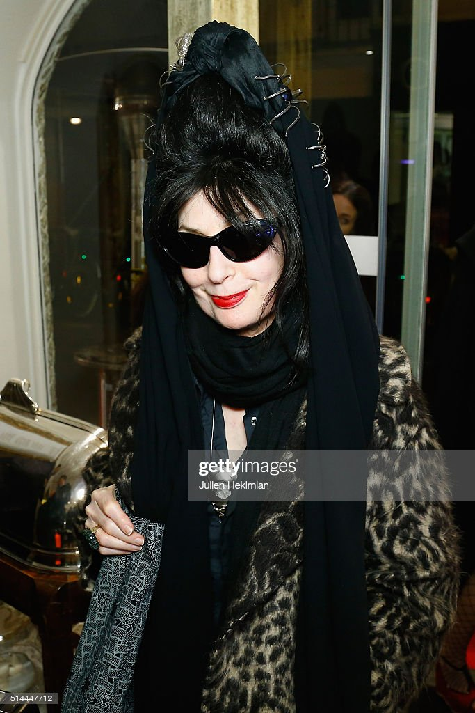 <a gi-track='captionPersonalityLinkClicked' href=/galleries/search?phrase=Diane+Pernet&family=editorial&specificpeople=4347865 ng-click='$event.stopPropagation()'>Diane Pernet</a> attends Les Reines 2.0 Cocktail Party hosted by Deborah Sinigaglia from MDK at Il Gelato del Marchese on March 8, 2016 in Paris, France.