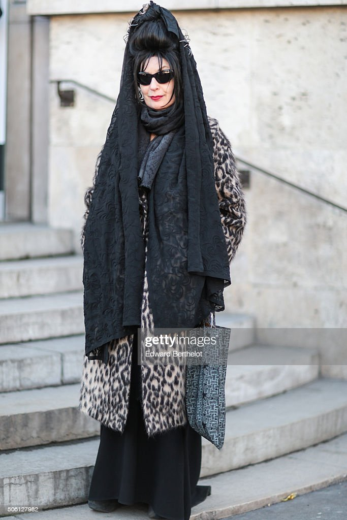 <a gi-track='captionPersonalityLinkClicked' href=/galleries/search?phrase=Diane+Pernet&family=editorial&specificpeople=4347865 ng-click='$event.stopPropagation()'>Diane Pernet</a> wearing a Port 1961 coat after the Rick Owens show during Paris Fashion Week Menswear Fall Winter 2016/2017 on January 21, 2016 in Paris, France.