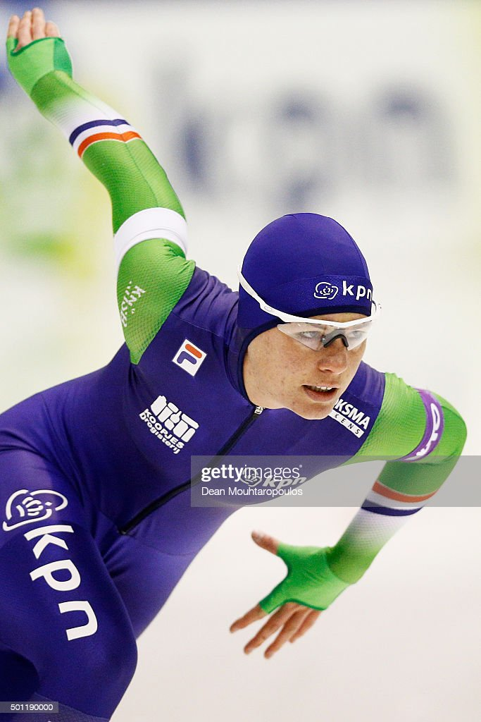 <a gi-track='captionPersonalityLinkClicked' href=/galleries/search?phrase=Diane+Valkenburg&family=editorial&specificpeople=4877218 ng-click='$event.stopPropagation()'>Diane Valkenburg</a> of Netherlands competes in the 1500m Ladies race during day three of the ISU World Cup Speed Skating held at Thialf Ice Arena on December 13, 2015 in Heerenveen, Netherlands.
