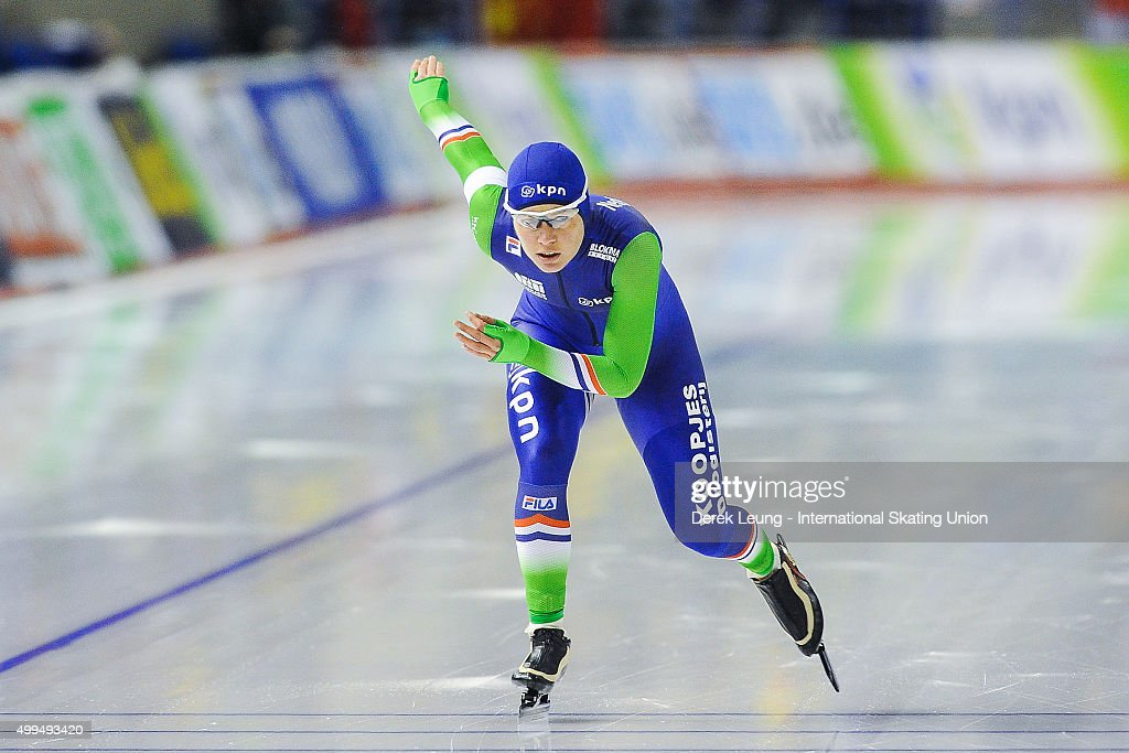 <a gi-track='captionPersonalityLinkClicked' href=/galleries/search?phrase=Diane+Valkenburg&family=editorial&specificpeople=4877218 ng-click='$event.stopPropagation()'>Diane Valkenburg</a> of The Netherlands skates in the Women's 1500m during the ISU World Cup Speed Skating Championships at Olympic Oval on November 15, 2015 in Calgary, Alberta, Canada.