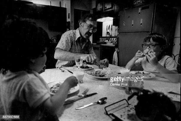 Dick Gero fixed the children tostadas this night with carrots and celery sticks Credit Denver Post