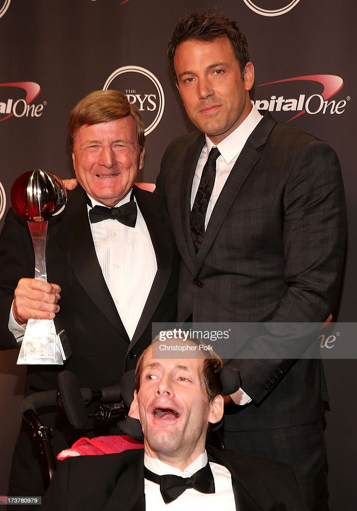 Dick Hoyt (L), actor <a gi-track='captionPersonalityLinkClicked' href=/galleries/search?phrase=Ben+Affleck&family=editorial&specificpeople=201856 ng-click='$event.stopPropagation()'>Ben Affleck</a>, and Rick Hoyt (front) pose backstage at The 2013 ESPY Awards at Nokia Theatre L.A. Live on July 17, 2013 in Los Angeles, California.