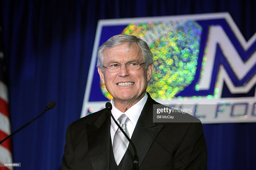<a gi-track='captionPersonalityLinkClicked' href=/galleries/search?phrase=Dick+Vermeil&family=editorial&specificpeople=210518 ng-click='$event.stopPropagation()'>Dick Vermeil</a> attends the 76th Annual Maxwell Football Club Awards Dinner March 1, 2013 in Atlantic City, New Jersey.