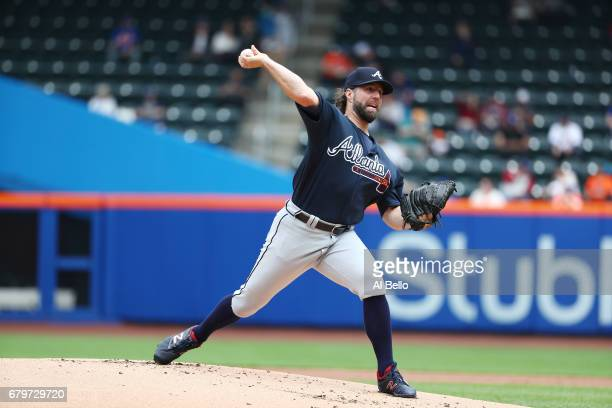 A Dickey of the Atlanta Braves pitches against the New York Mets during their game at Citi Field on April 27 2017 in New York City