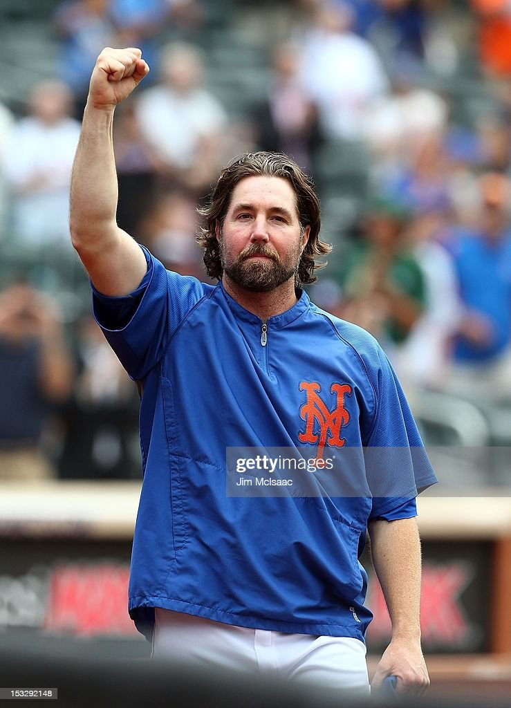 R.A. Dickey #43 of the New York Mets waves to the crowd after the game against the Pittsburgh Pirates at Citi Field on September 27, 2012 in the Flushing neighborhood of the Queens borough of New York City. The Mets defeated the Pirates 6-5 and Dickey earned his 20th victory of the season.