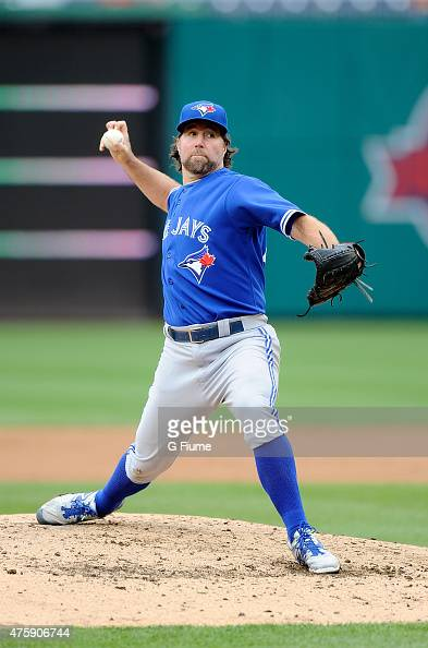 A Dickey of the Toronto Blue Jays pitches against the Washington Nationals at Nationals Park on June 2 2015 in Washington DC