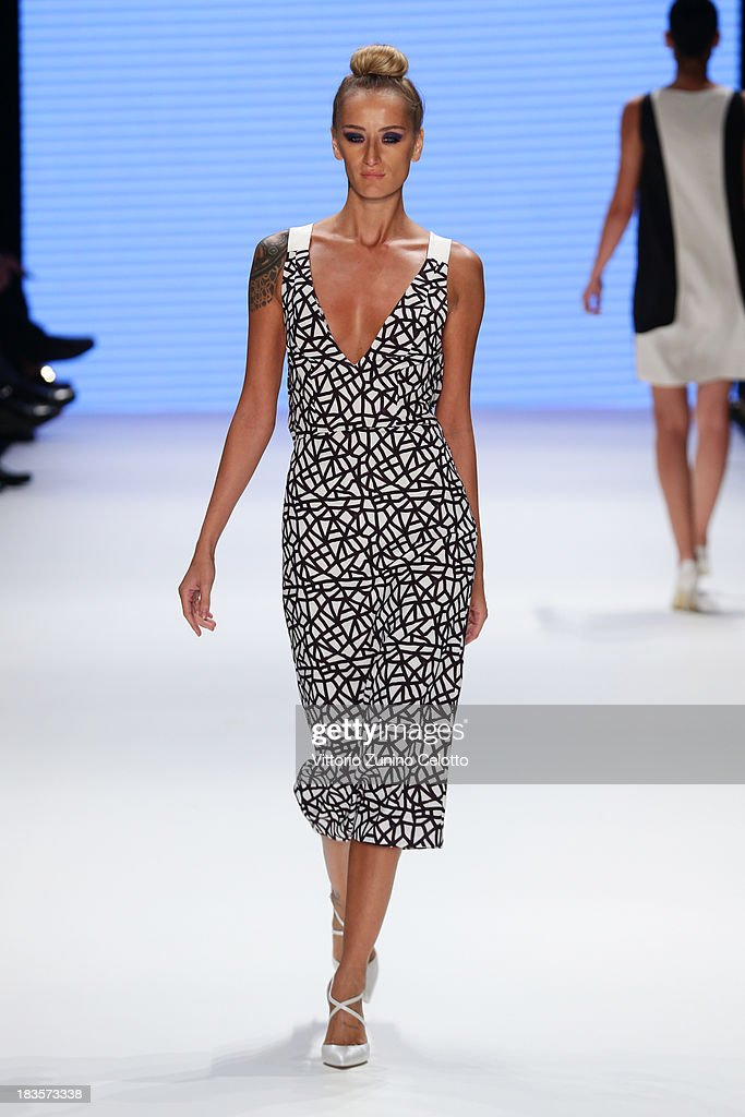 Didem Soydan walks the runway at the Kaf Dan By Elaidi show during Mercedes-Benz Fashion Week Istanbul s/s 2014 presented by American Express on October 7, 2013 in Istanbul, Turkey.