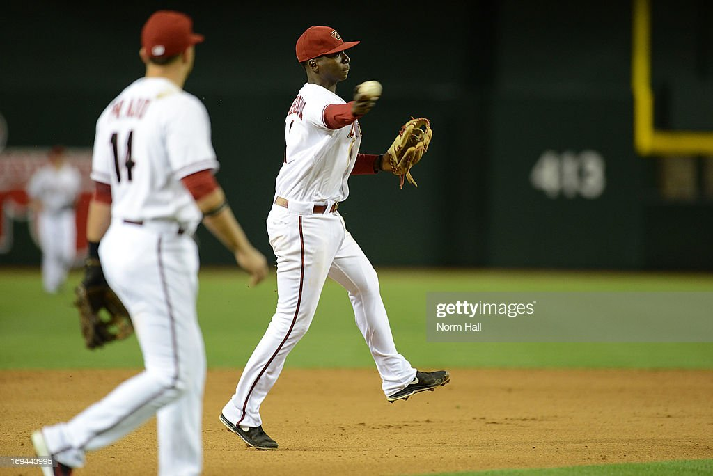 Didi Gregorius #1 of the Arizona Diamondbacks makes a throw to first base against the San Diego Padres at Chase Field on May 24, 2013 in Phoenix, Arizona.