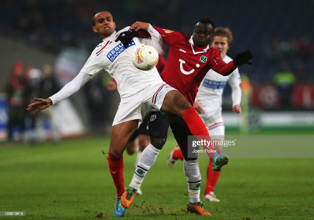 Didier Ya Konan (R) of Hannover and Walid Atta of Helsingborg compete for the ball during the UEFA Europa League Group L match between Hannover 96 and Helsingborgs IF at AWD Arena on November 8, 2012 in Hannover, Germany.