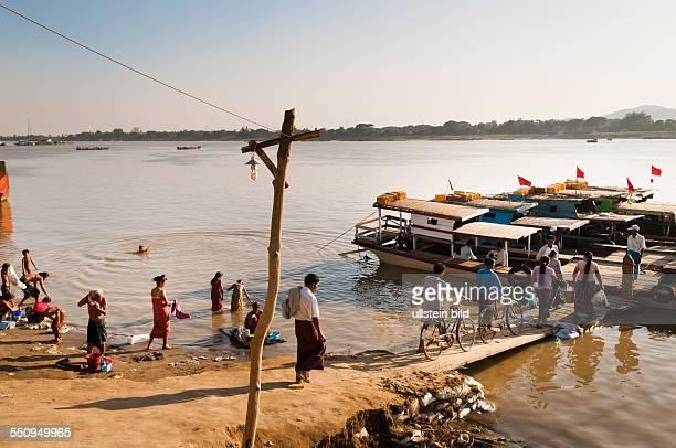 die Anlegestelle am Chindwin Fluss