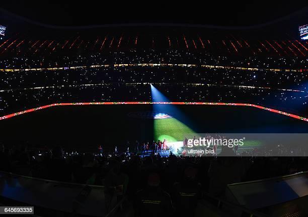 Die Lasershow bei dunklem Stadion nach dem Fussball Bundesliga Spiel FC Bayern Muenchen gegen SC Freiburg am 16 Spieltag der Saison 2014/2015 in der...