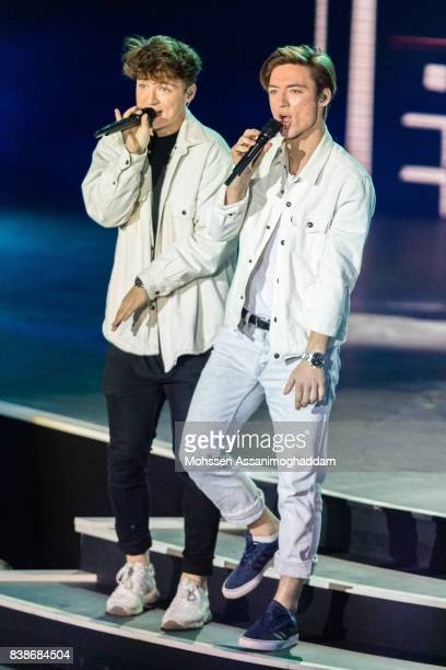 Die Lochis attends 'Das Grosse SommerHitFestival 2017' at Timmendorfer Strand on August 24 2017 at Timmendorfer Strand Germany