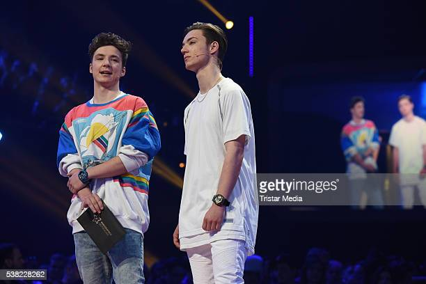 Die Lochis Roman Lochmann and Heiko Lochmann attend the Webvideopreis Deutschland 2016 Show at Castello on June 4 2016 in Duesseldorf Germany