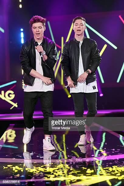 Die Lochis Roman Lochmann and Heiko Lochmann perform at the Webvideopreis Deutschland 2016 Show at Castello on June 4 2016 in Duesseldorf Germany
