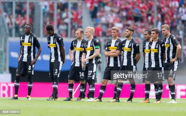 die Mannschaft von Borussia Moenchengladbach Denis Zakaria of Gladbach Reece Oxford of Gladbach Tony Jantschke of Gladbach Oscar Wendt of Gladbach...