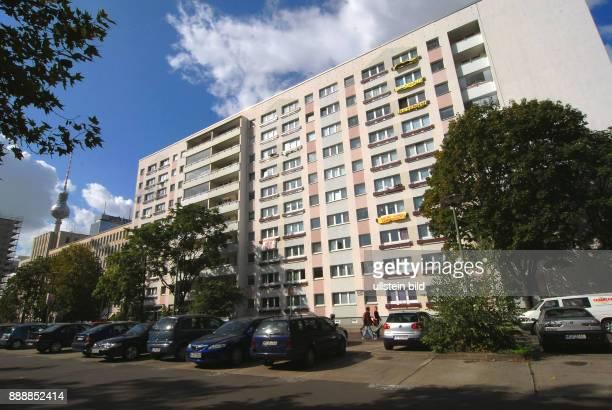 Die Mieter des Wohnhochhauses an der OttoBraunStrasse 29/31 Ecke Wadzeck und Mollstrasse wehren sich gegen den Bebauungsplan direkt vor ihrem Haus in...