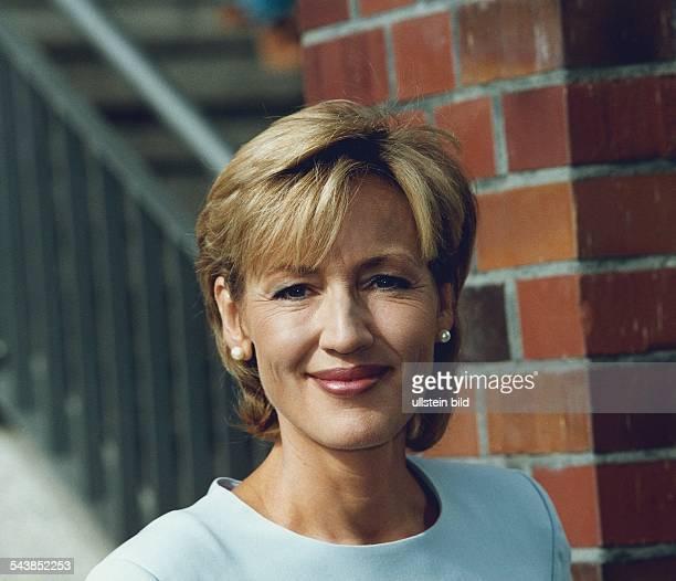 Die Nachrichtensprecherin Petra Gerster Aufgenommen August 1999