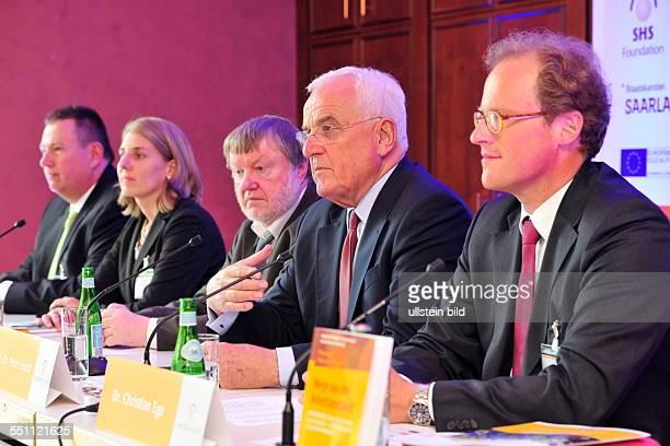 Die Pressekonferenz zum Kongress 'Europatriates' in der Congresshalle in Saarbrücken Der Kongress zur Lösung der Jugendarbeitslosigkeit in Europa...