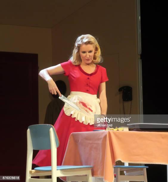 Die Schauspielerin Maria Furtwängler aufgenommen bei Proben zu dem Theaterstück Alles muss glänzen im Theater am Kurfürstendamm in Berlin...