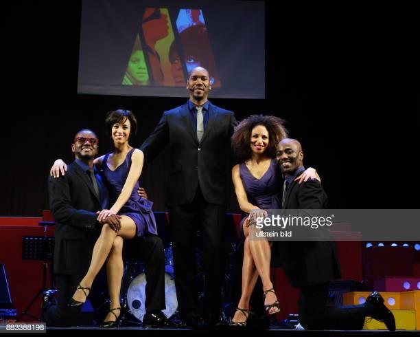 Die Sänger Victor Hugo Barreto Taryn Nelson Wilson D Michaels Lana Gordon Trevor Jackson vl aufgenommen bei Proben zu dem Stück Motown Die Legende im...