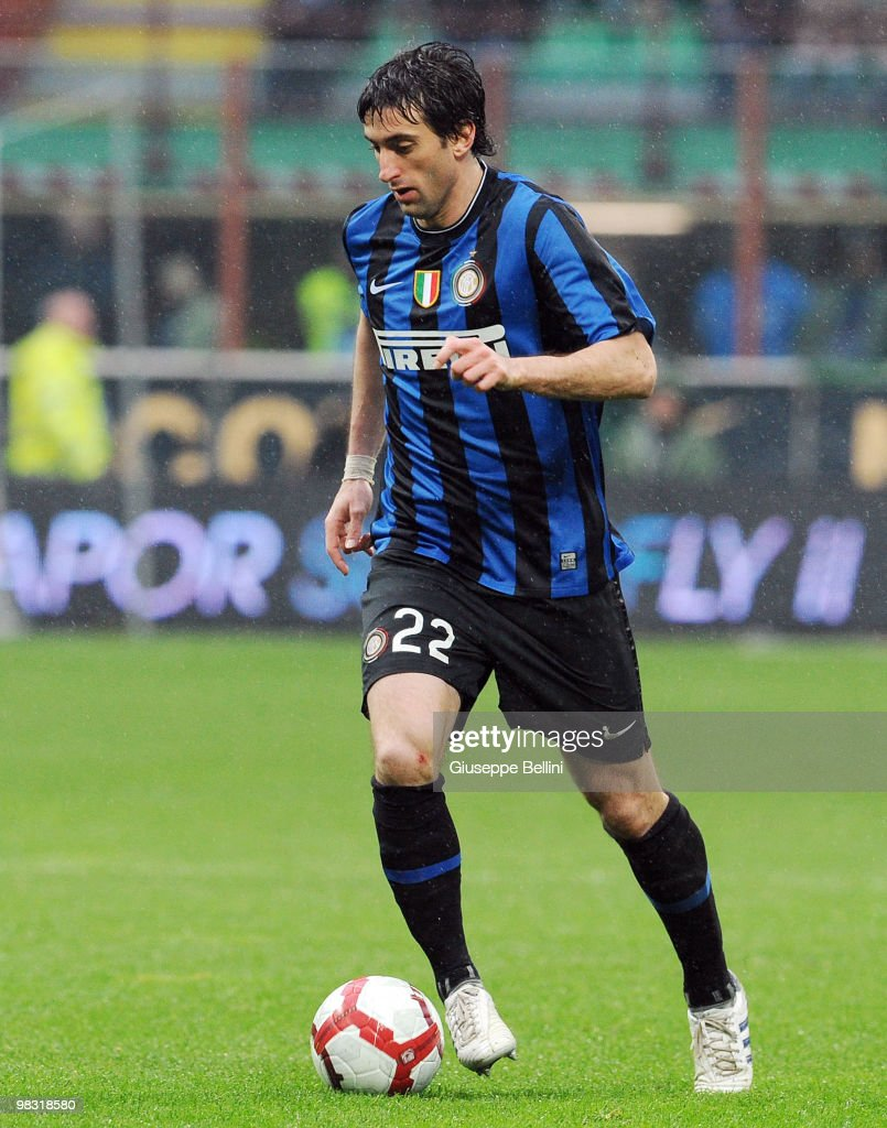 Diego Alberto Milito of Inter in action during the Serie A match between FC Internazionale Milano and Bologna FC at Stadio Giuseppe Meazza on April 3, 2010 in Milan, Italy.