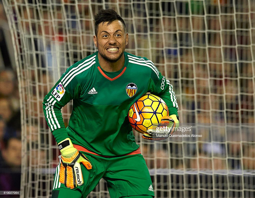 <a gi-track='captionPersonalityLinkClicked' href=/galleries/search?phrase=Diego+Alves&family=editorial&specificpeople=4817250 ng-click='$event.stopPropagation()'>Diego Alves</a> of Valencia reacts during the La Liga match between Valencia CF and RCD Espanyol at Estadi de Mestalla on February 13, 2016 in Valencia, Spain.