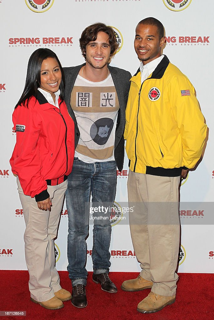 Diego Boneta (C) and City Year Los Angeles AmeriCorps members attend the City Year Los Angeles' Spring Break: Destination Education at Sony Pictures Studios on April 20, 2013 in Culver City, California.