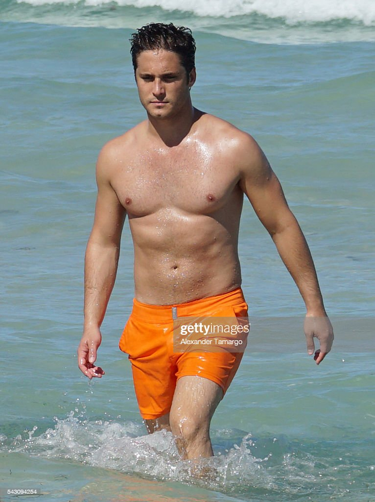 <a gi-track='captionPersonalityLinkClicked' href=/galleries/search?phrase=Diego+Boneta&family=editorial&specificpeople=6787641 ng-click='$event.stopPropagation()'>Diego Boneta</a> is seen vacationing in Miami Beach on June 25, 2016 in Miami Beach, Florida.
