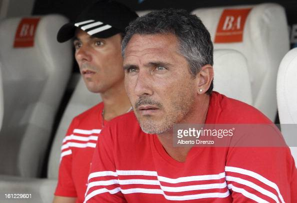Diego Caña coach of Estudiantes de La Plata during a match between Estudiantes and Tigre as part of the 2013 Final Tournament on February 9 2013 in...